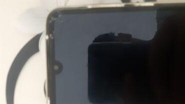 Huawei Y7 2019 sve je uredu samo nece da primi karticu i ima 3 tacke