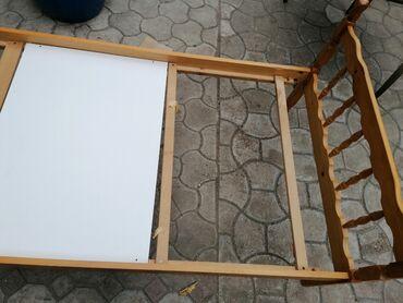 Krevet samac bez dušeka Dimenzije 190x90 Dobro očuvan