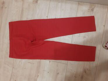 Crvene cigaret pantalone 36 broj