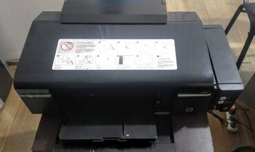 Принтер Epson L800 6ти цветный. Состояние среднее. Все работает, есть