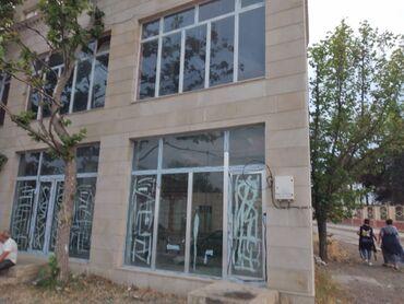 Binalar - Azərbaycan: Ərazisi 220 m2-dir. İki mərtəbəlidirSahibindən satılır.Obyekt tam
