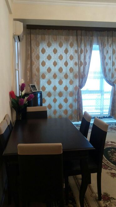 obyektlerin satisi 2018 в Азербайджан: Продается квартира: 4 комнаты, 183 кв. м