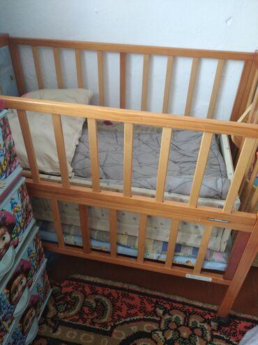 резиновые сапоги детские в Ак-Джол: Кроватка 2000