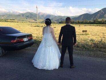 Свадебное платье, в хорошем состоянии, в подарок фата. Торг уместен