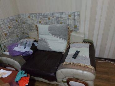 кресло для офиса в Кыргызстан: Срочно продаю диван+креслоОтличный вариант для офиса 6000 сом