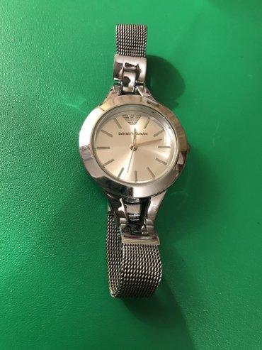 Bakı şəhərində Qadın Gümüşü Klassik Qol saatı Armani