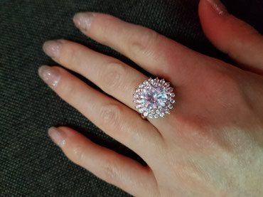Продам кольцо 17-18 размера в Лебединовка