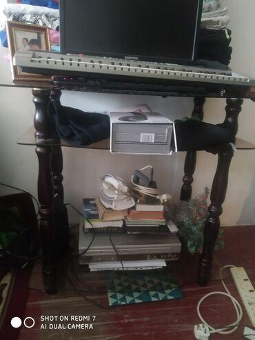 1177 объявлений: Продаю тумбу стеклянную под телевизор1000