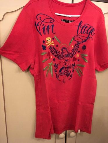 Original De Puta Madre crvena majca sa vezenom aplikacijom na grudima. - Belgrade