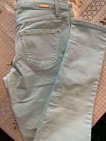 Женские джинсы в Кыргызстан: Летние, мягкие джинсы бирюзового цвета Massimo Dutti. Состояние
