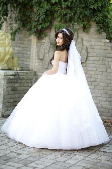 джинсовый корсет в Кыргызстан: Продаётся свадебное платье! Размер платья регулируется корсетом. В ком