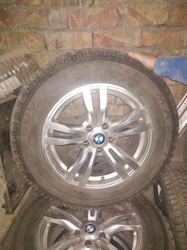 bmw m3 23 kat в Кыргызстан: Продам комплект зимней резины с дисками BMW X5.Размер резины