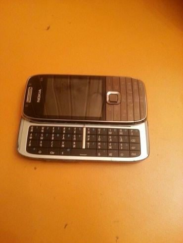 Xırdalan şəhərində Nokia E 75 tam ideal veziyetde hec cizigida yoxdu tam arginal