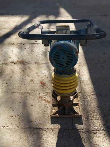 трамбовка в Кыргызстан: Трамбовка Кузнечик Компактор на380вольт.  Б/у Рабочем состоянии