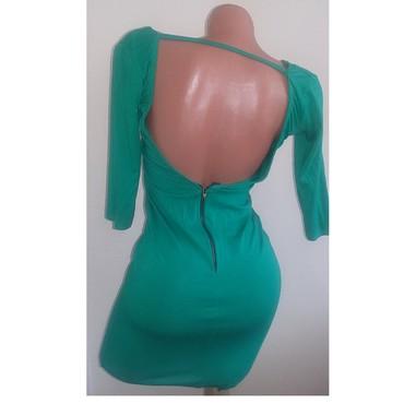 Haljine - Paracin: Prelepa haljinica sa golim ledjima,odgovara velicini 38,jako lepo