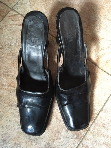 Italijanske papuče br. 39, dužina gazišta 25cm, visina štikle 8cm, - Belgrade