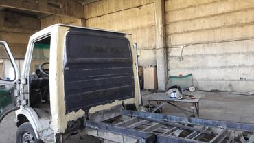 сапог грузовой в Кыргызстан: Mercedes-Benz 2020
