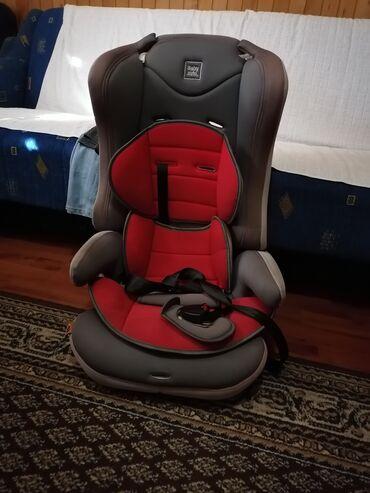 Sediste za auto za decu do 36kg cena je 5.800 din a krevetac sa sve
