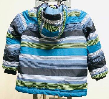 детская куртка зимняя в Кыргызстан: Детская зимняя куртка Гуанчжоу на 4,6 лет состояние идеальное