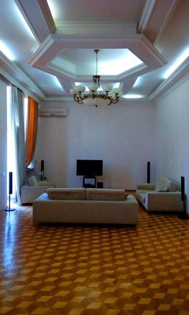 аренда особняков посуточно в Азербайджан: Аренда Дома Посуточно : 150 кв. м, 5 комнат