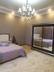 Аренда дома долгосрочно в Кыргызстан: Аренда Дома от посредника Долгосрочно: 300 кв. м, 6 комнат