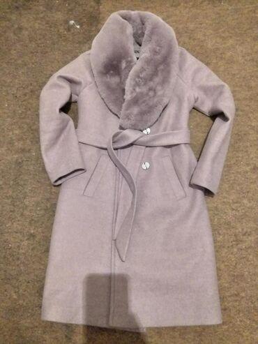 Пальто новое только один раз одевали.Размер 42.цену можем договориться