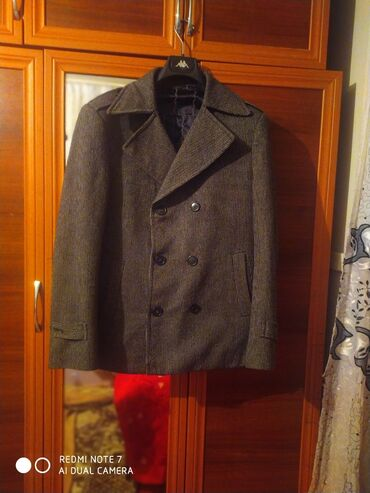 70 elan | PALTOLAR: Palto geyinilib.seliqelidir.hec bir deffekti yoxdur.razmer 46beden