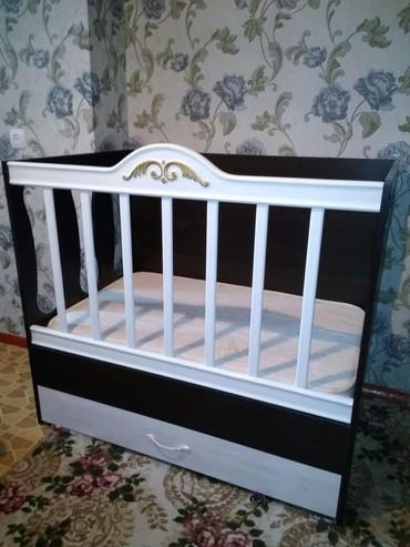 Детская мебель в Сокулук: Продам детскую кровать-манеж с поролоновым матрацем фирмы Лина. Состоя
