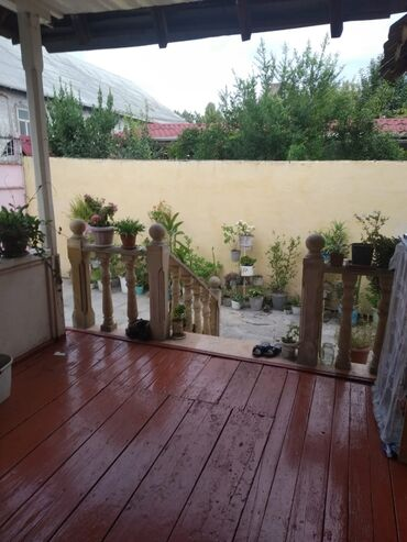 Куплю - Азербайджан: Agdasda ev bakida evle barter olunur heyeti 10 sot qaz iwig su var
