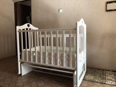 Продается детская б/у кровать (манеж) от рождения до 3 лет, с матрасом