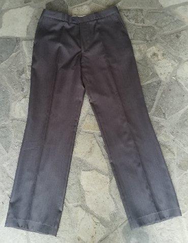 Duzina-obim-struka - Srbija: Kvalitetne očuvane sive pantalone obim struka 80 cm, dužina 107 cm