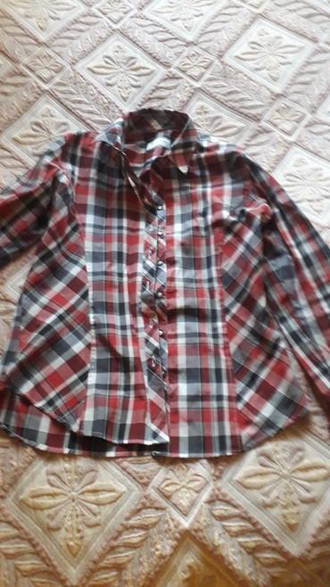 женские вельветовые юбки в Азербайджан: Женская рубашка в хорошем состоянии