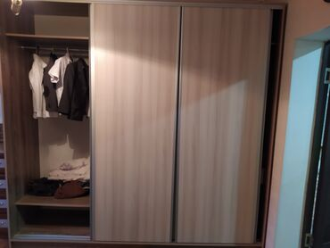 Шкаф купе в идеальном состоянии, продаем в связи с переездом. Почти