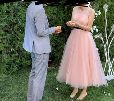 прокат платье вечернее в Кыргызстан: Вечернее Платье в стиле балерины! Размер XS S. (40-42). Длина Миди