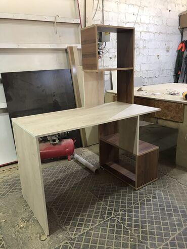 Продаётся стол письменный, параметры 750мм. Абсолютно новая. Цена окон