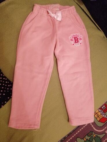 Pantalone zimske - Srbija: Punije pantalone, super za zimu. Velicina 4, 104 cm. Cena 350 dinara