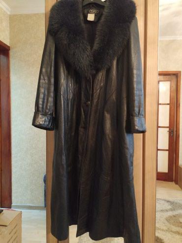 Кожаный плащ чёрного цвета размер 48-50 цена 4000 в Бишкек