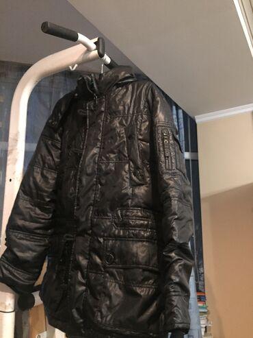 весеннее полупальто в Кыргызстан: Весенние прохладные куртки размеры S и M состояние отличные