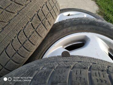 Транспорт - Кок-Ой: Срочно продаю диски с зимние шинами комплект. Диски в хорошем