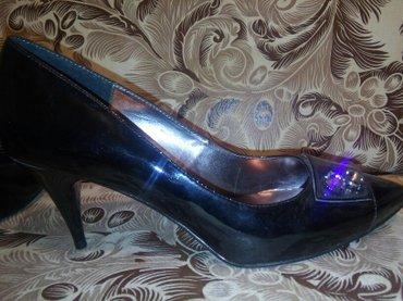срочно новые лакиров. туфли! р. 39 удобный каблук. в Лебединовка