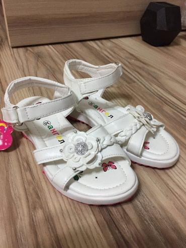 Детские сандали белого цвета, очень красивые и нежные. Размер 30 в Бишкек