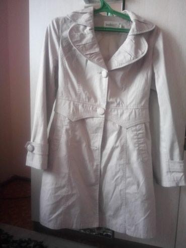 Плащи в Кыргызстан: Плащ б/у, одевала 3 раза, состояние отличное, покупала за 2000 сом, от