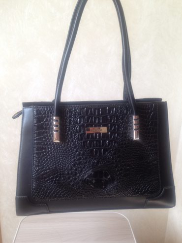 сумка черного цвета в Кыргызстан: Продаю новую натуральнуюкожаную сумку. Цвет чёрный . Высшего