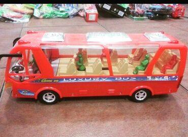 Oyuncaqlar - Xırdalan: Oyuncaq avtobus uşaqların sevecəyi maraqlı bir oyuncaqdir səsli