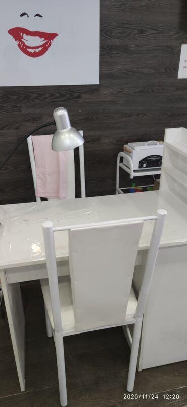 Срочно сдаю маникюрный стол в салоне.пр.Чуй 48.пер.Карпинка