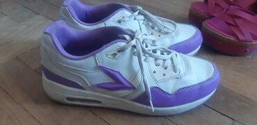 Patike cipele - Srbija: Prodajem 5 pari zenske obuce patikecipele,sandale,sve zajedno za 400