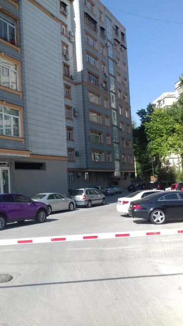 Квартиры в Душанбе: Продается квартира: 1 комната, 54 кв. м