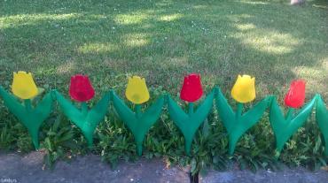 Ogradica za travnjake i cveće lala,u pakovanju ima 10 cvetova ukupne - Stara Pazova