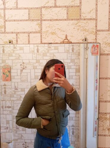 Зимняя куртка в отличном состоянии