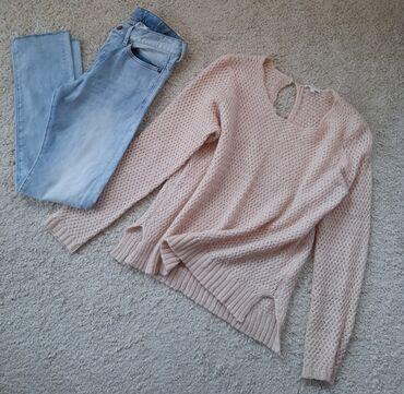 Farmerki pantalone - Srbija: Pune bogate izrade dzemper u puder roza boji. Protkan bakarne boje
